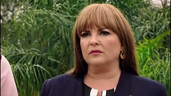 Terese Willis in Neighbours Episode 7900