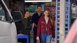 Bea Nilsson, Mark Brennan, Chloe Brennan in Neighbours Episode 7902