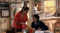 Dipi Rebecchi, Shane Rebecchi, Yashvi Rebecchi in Neighbours Episode 7905
