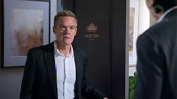 Paul Robinson in Neighbours Episode 7905