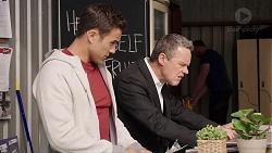 Aaron Brennan, Paul Robinson in Neighbours Episode 7905