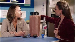 Amy Williams, Chloe Brennan in Neighbours Episode 7906