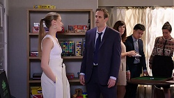 Chloe Brennan, Lenny Hicks in Neighbours Episode 7910