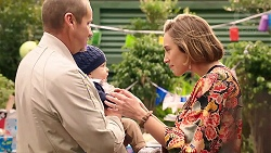 Toadie Rebecchi, Hugo Somers, Sonya Mitchell in Neighbours Episode 7918
