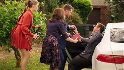Chloe Brennan, Fay Brennan, Mark Brennan, Aaron Brennan in Neighbours Episode 7921