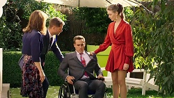 Fay Brennan, Mark Brennan, Aaron Brennan, Chloe Brennan in Neighbours Episode 7921