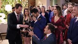 Shane Rebecchi, David Tanaka, Aaron Brennan, Amy Williams, Chloe Brennan, Paul Robinson in Neighbours Episode 7922