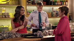 Dipi Rebecchi, Gary Canning, Susan Kennedy in Neighbours Episode 7922