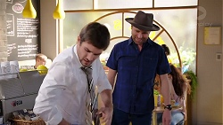 Ned Willis, Shane Rebecchi in Neighbours Episode 7924