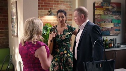 Sheila Canning, Dipi Rebecchi, Clive Gibbons in Neighbours Episode 7924
