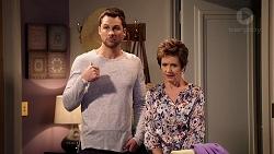 Mark Brennan, Susan Kennedy in Neighbours Episode 7927