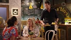 Dipi Rebecchi, Sheila Canning, Shane Rebecchi in Neighbours Episode 7928