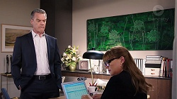 Paul Robinson, Terese Willis in Neighbours Episode 7928