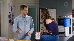 Mark Brennan, Elly Conway in Neighbours Episode 7930