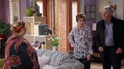 Jemima Davies-Smythe, Susan Kennedy, Karl Kennedy in Neighbours Episode 7931