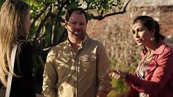 Chloe Brennan, Shane Rebecchi, Dipi Rebecchi in Neighbours Episode 7932