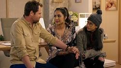 Shane Rebecchi, Dipi Rebecchi, Yashvi Rebecchi in Neighbours Episode 7933