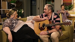 Jemima Davies-Smythe, Karl Kennedy, Susan Kennedy in Neighbours Episode 7936
