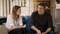 Piper Willis, Cassius Grady in Neighbours Episode 7936