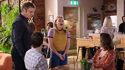 Gary Canning, Dr Rob Carson, Xanthe Canning, Amy Williams in Neighbours Episode 7938