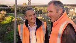 Paul Robinson, Karl Kennedy in Neighbours Episode 7938