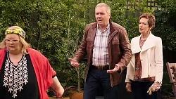 Jemima Davies-Smythe, Karl Kennedy, Susan Kennedy in Neighbours Episode 7938
