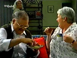 Madge Bishop, Harold Bishop, Claudia Harvey in Neighbours Episode 2790