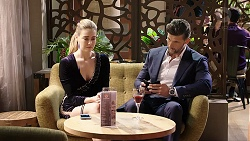 Chloe Brennan, Pierce Greyson in Neighbours Episode 7945