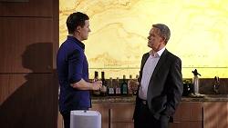 Dr Rob Carson, Paul Robinson in Neighbours Episode 7949