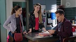 Elly Conway, Chloe Brennan, Aaron Brennan in Neighbours Episode 7949