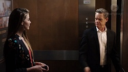 Chloe Brennan, Paul Robinson in Neighbours Episode 7950