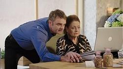 Gary Canning, Nance Sluggett in Neighbours Episode 7950