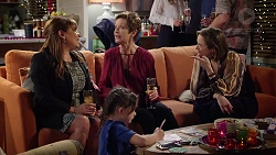 Terese Willis, Susan Kennedy, Sonya Mitchell, Nell Rebecchi in Neighbours Episode 7955