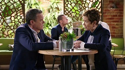 Paul Robinson, Susan Kennedy in Neighbours Episode 7960