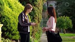 Piper Willis, Bea Nilsson in Neighbours Episode 7961