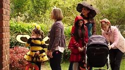 Nell Rebecchi, Sonya Rebecchi, Kirsha Rebecchi, Dipi Rebecchi, Alice Wells in Neighbours Episode 7963