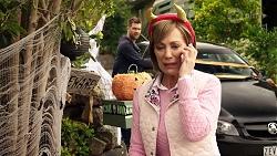 Mark Brennan, Alice Wells in Neighbours Episode 7964