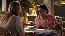Xanthe Canning, Yashvi Rebecchi in Neighbours Episode 7965