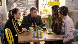 Bea Nilsson, Gary Canning, Elly Conway, Susan Kennedy in Neighbours Episode 7965