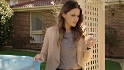 Elly Conway in Neighbours Episode 7968