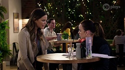 Elly Conway, Bea Nilsson in Neighbours Episode 7968