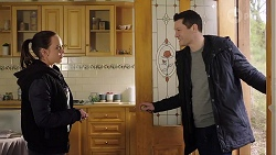 Bea Nilsson, Finn Kelly in Neighbours Episode 7969