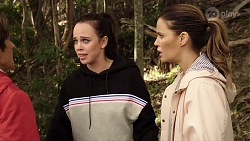 Susan Kennedy, Bea Nilsson, Elly Conway in Neighbours Episode 7969