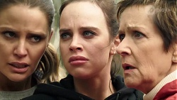 Elly Conway, Bea Nilsson, Susan Kennedy in Neighbours Episode 7969