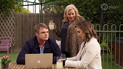 Gary Canning, Sheila Canning, Amy Williams in Neighbours Episode 7970
