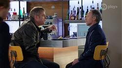 Gary Canning, Jeremy Sluggett in Neighbours Episode 7973