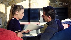 Chloe Brennan, Pierce Greyson in Neighbours Episode 7974