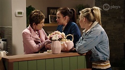 Susan Kennedy, Bea Nilsson, Xanthe Canning in Neighbours Episode 7976