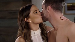 Elly Conway, Mark Brennan in Neighbours Episode 7976