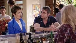 Susan Kennedy, Gary Canning, Sheila Canning in Neighbours Episode 7981